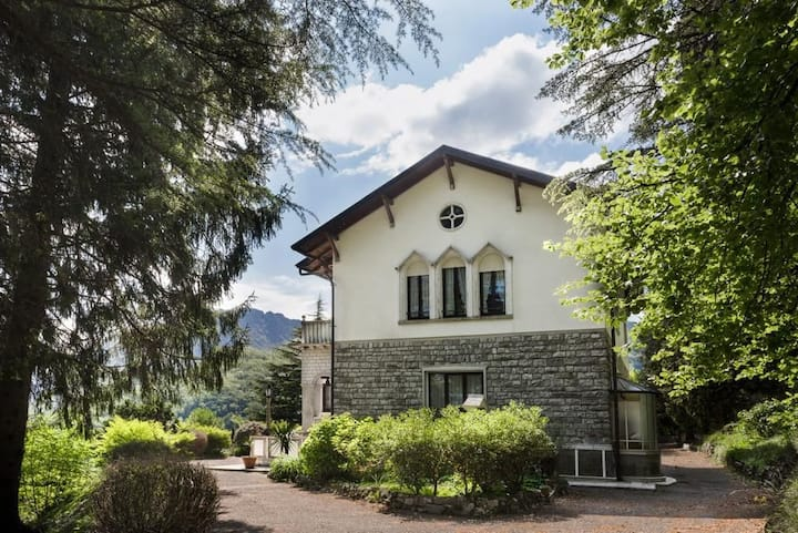 7 bedroom Lake Como villa