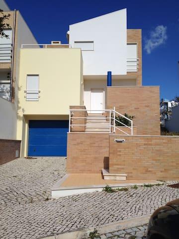 Vivenda a beira mar - Buarcos - House