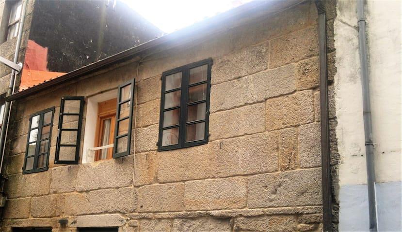 piso en zona monumental,cerca de la pza de la leña - Pontevedra - Selveierleilighet