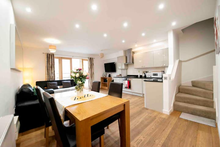 Oxford CityCenterTrainStation two bedroomApartment