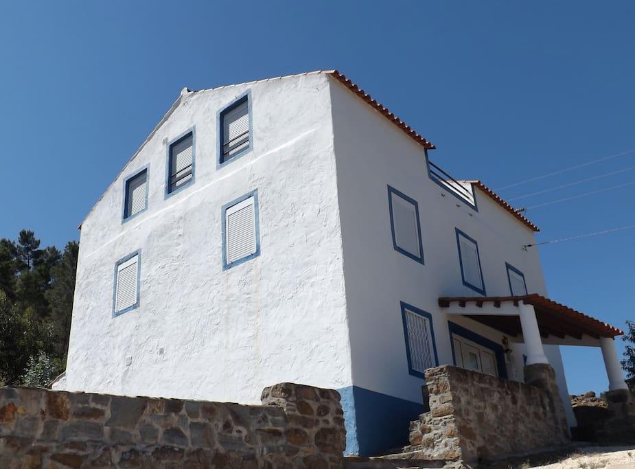 Casa do Rio_ River House