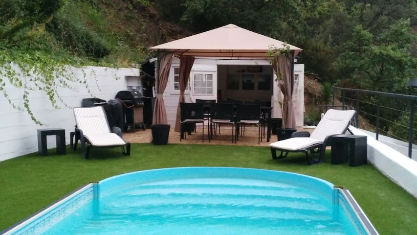 House with pool & barbecue at 25 km from Barcelona - Castellar del Vallès (Sant Feliu del Racò) - Dom