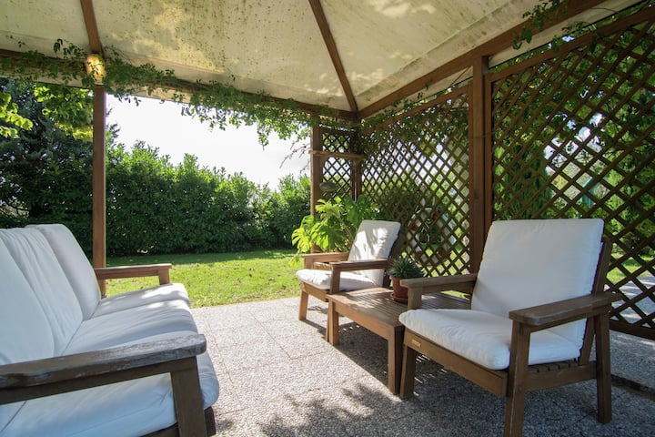 Luxe, sfeervol appartement met zwembad bij Cortona in veelzijdig Toscane
