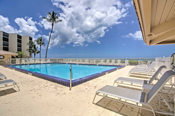 The condo is in the Seascapes community, offering access to an oceanfront pool.