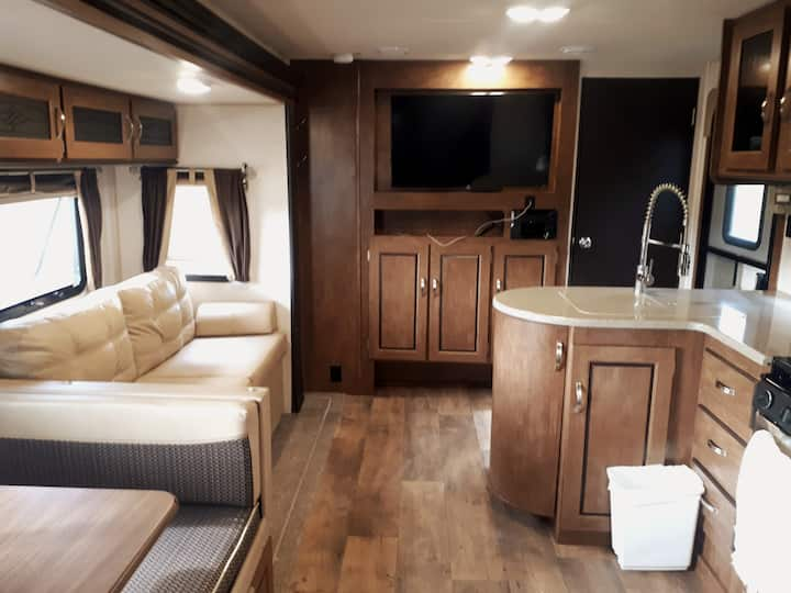 Clean, Comfortable Luxury RV