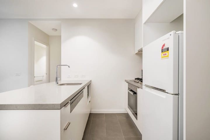 Southbank sea view 2 BD entire with a carpark