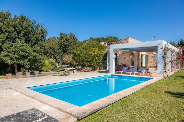Beautiful Finca with Wi-Fi, Pool, Lawn, and Patio; Parking Available