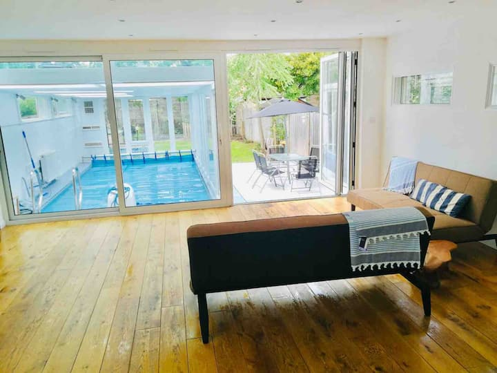 River House with Heated Pool, Parking & Garden