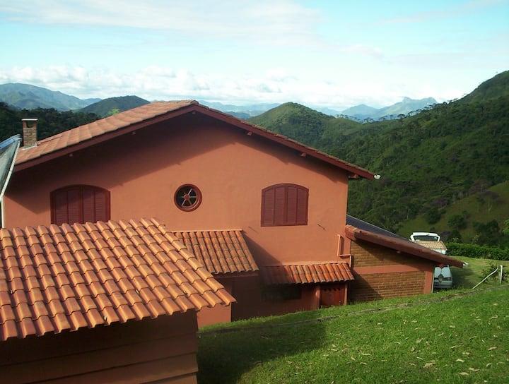 Villa Ganesh, para se relaxar bem pertinho do céu!