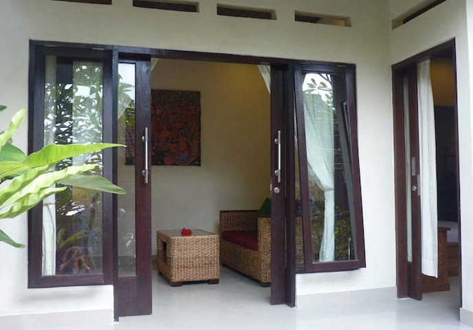 1 BR house in traditional Balinese compound - Tegallalang - Casa