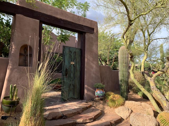 Rustic Private Unit in Scottsdale Horse Property
