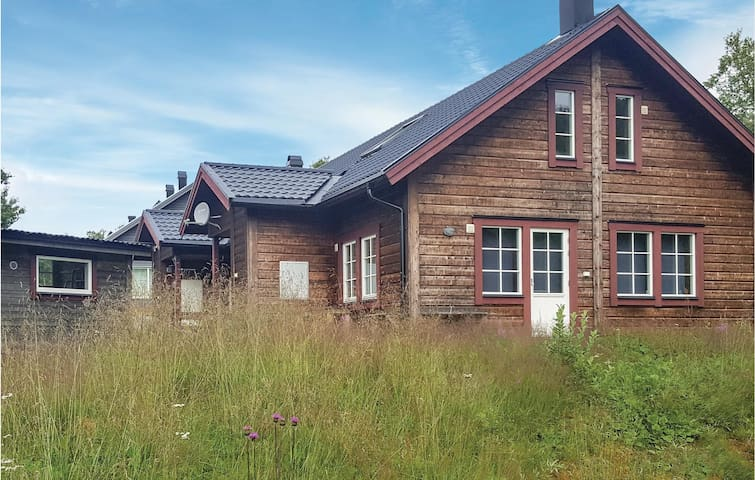 Semi-Detached with 3 bedrooms on 98m² in Tänndalen