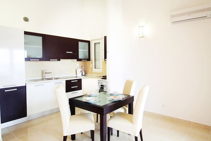Apartment Ely modern, beautiful with amazing view - Trogir - Departamento