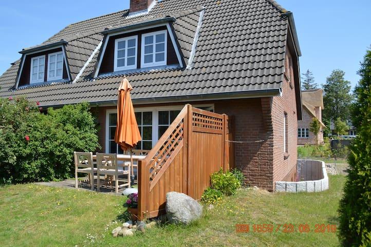 Ferienhaus für 6 Gäste mit 95m² in Nieblum (120547)