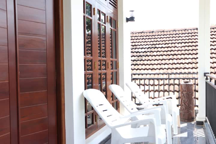 Aris Lanka Tourist Guest House