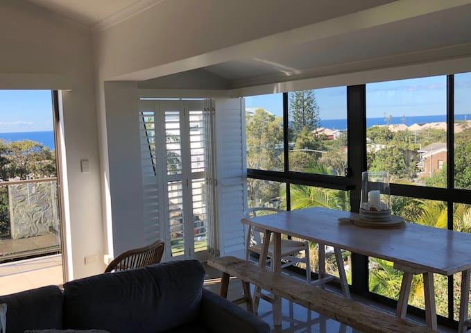 Stunning Views - Beach Apartment - Sunshine Beach