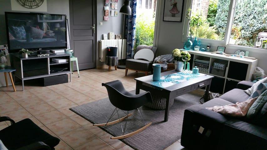 La chambre M - Déville-lès-Rouen - Bed & Breakfast