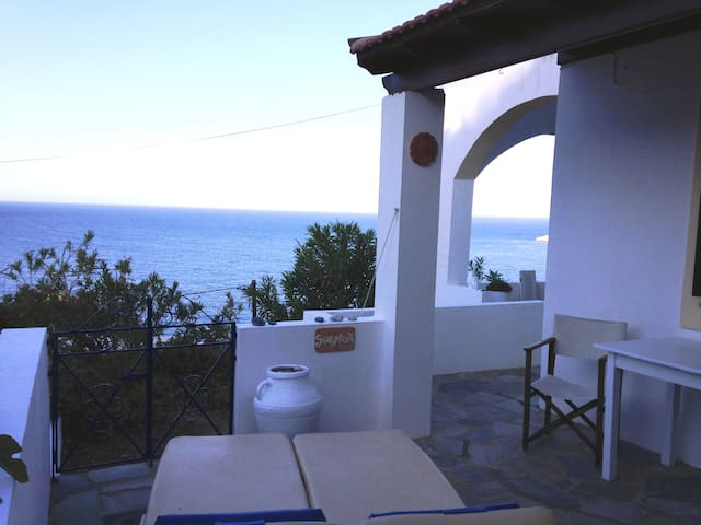 2 bedroomed house at Plati Gialos