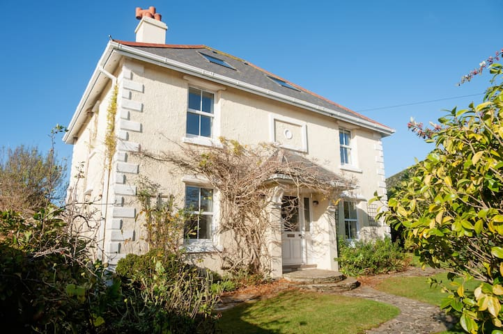 Charming Seaside Victorian Villa - Thurlestone  - บ้าน