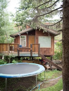 Big Cozy Heated Tree House. - Ketchum - Treehouse