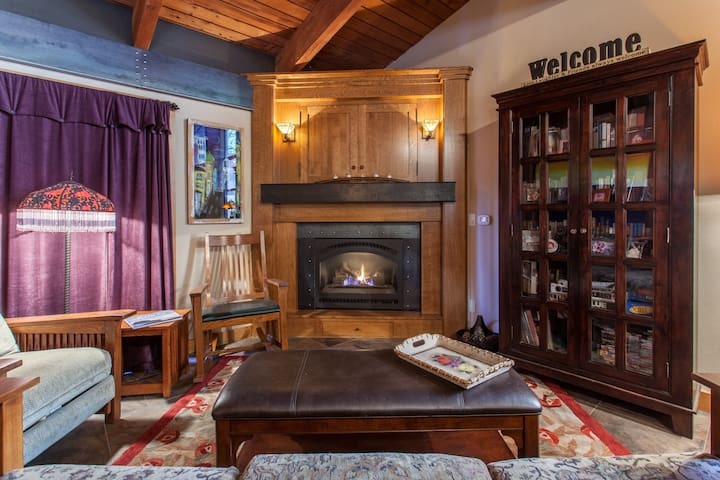 Cozy & Updated Mammoth Condo-Walk to Canyon Lodge - Mammoth Lakes - Apto. en complejo residencial