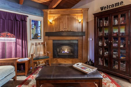 Cozy & Updated Mammoth Condo-Walk to Canyon Lodge - Mammoth Lakes