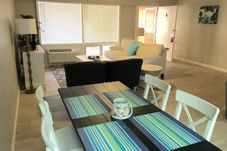 Furnished beach apartment on Coronado Island - Lejlighed