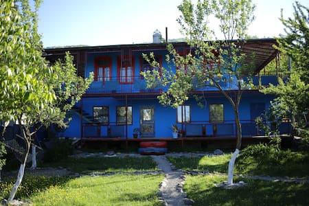 Art House Kvishkheti (near Borjomi, Akhaltsikhe)