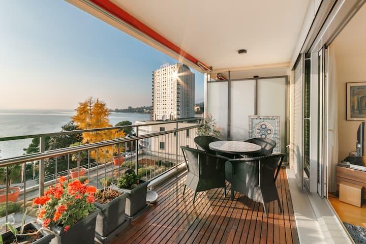 Large apartment with amazing view on Lake Geneva