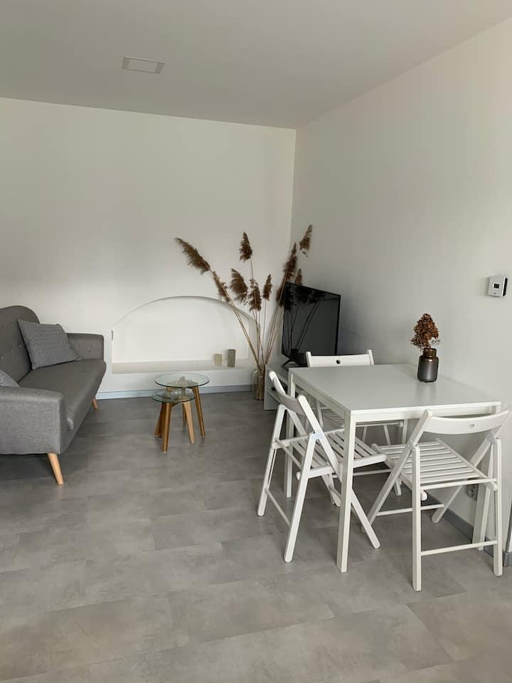 Minimalistický apartmán na statku v Českém ráji