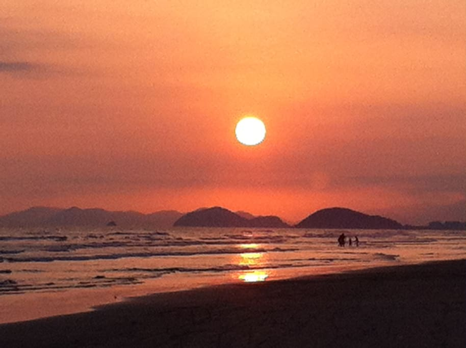 Por do sol na Praia de Guaratuba