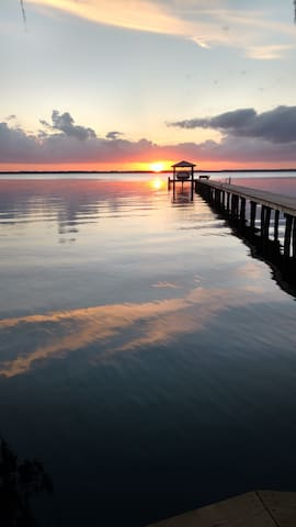 St Augustine Home with spectacular River Sunsets!