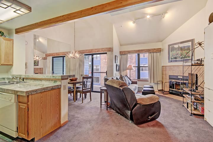 Downtown Breckenridge Studio with Master Loft sleeps 4