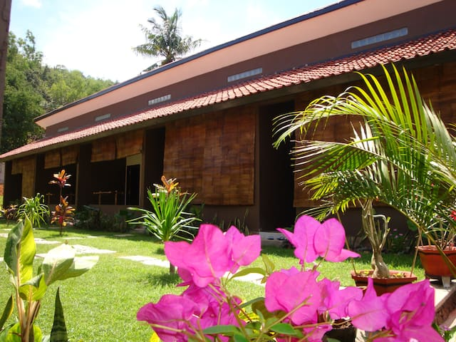 Relaxing homestay(A/C,Cold shower,1Double bed )