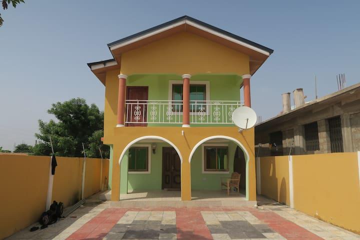 Accra, 2 etagers hus med Master bedroom - Kwabenya - Hus