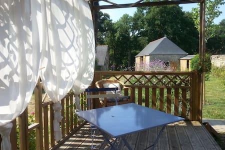 Chambre individuelle de charme - Saint-Jean-des-Mauvrets - บ้าน