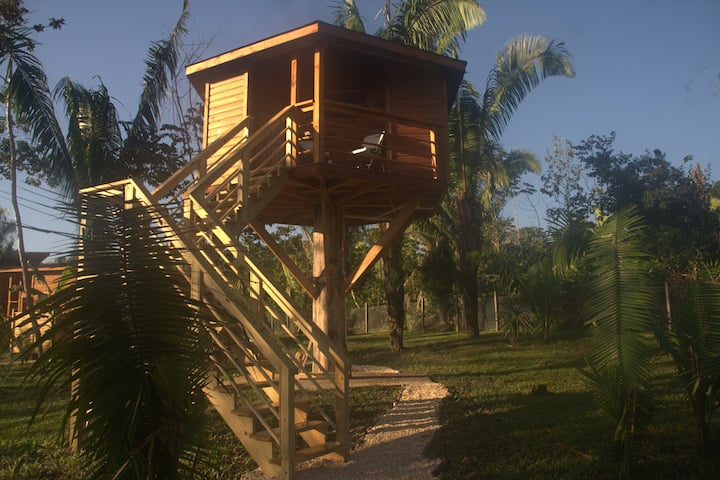 Tree House with AC close to ATM