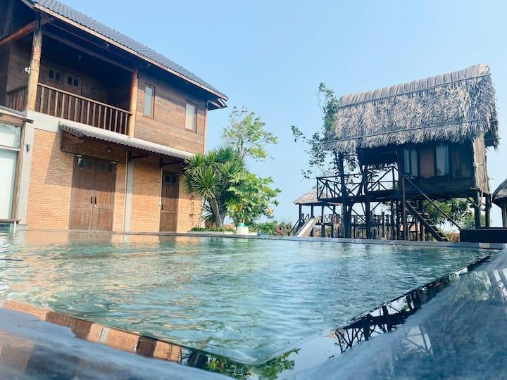 Entire Amazing Villa Wind House in Ho Tram Beach