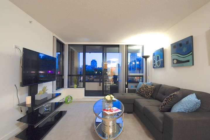 Entire Condo @ the heart of Downtown Vancouver