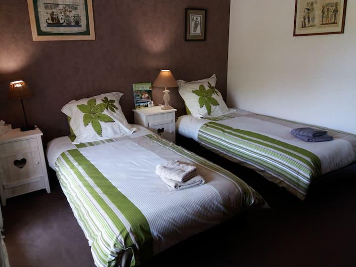 Chambre calme, confort, accès facile centre Rouen