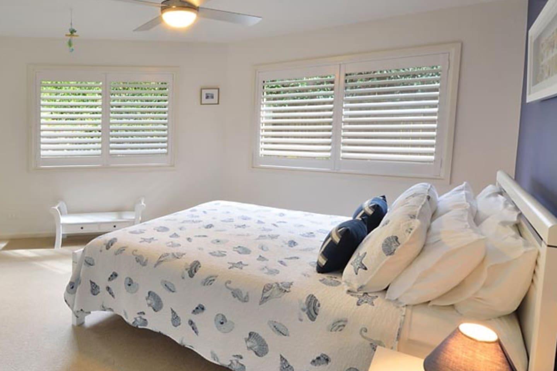 The Nautilus Queen Bedroom