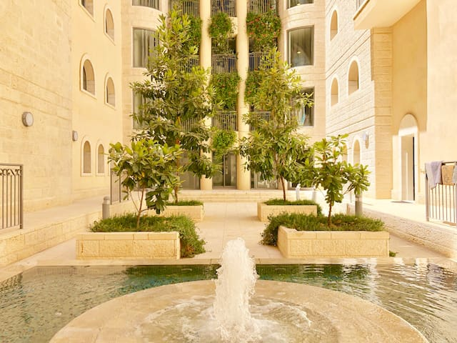 Luxury Apt + Relax Fountain City Center Jerusalem!