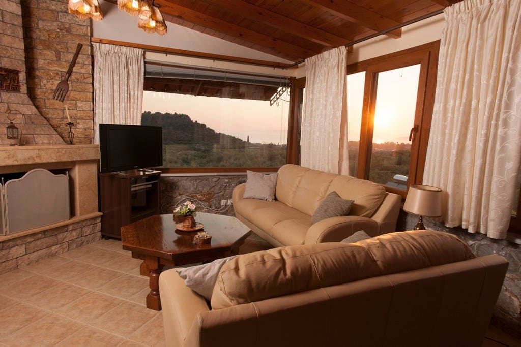Relaxing by the fireplace with panoramic view