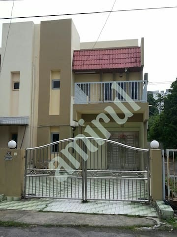 Sri kota guesthouse - Kajang - Maison