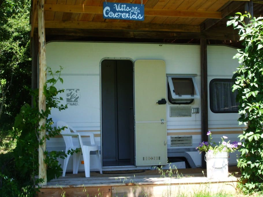The caravan/der Wohnwagen/la roulotte