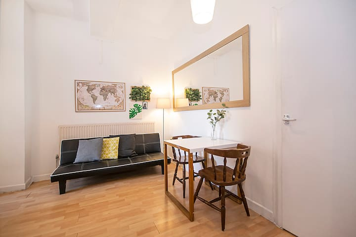 Brick Lane Apartment II