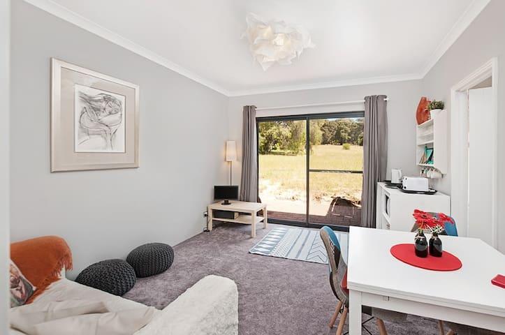 Possum Lodge Dunsborough: private wing up to 4 ppl - Dunsborough - Apartment