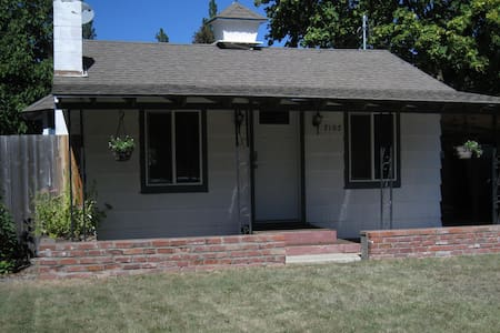 Complete Pet Friendly Property - Spokane Valley - House