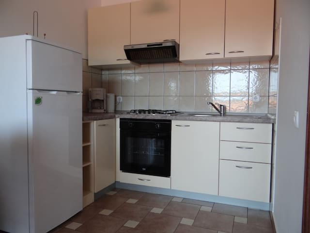Apartment Snjezana_No.2/(for 4 persons) - Kampor - Flat