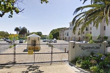 Modern one bedroom apartment in secure complex - Cape Town